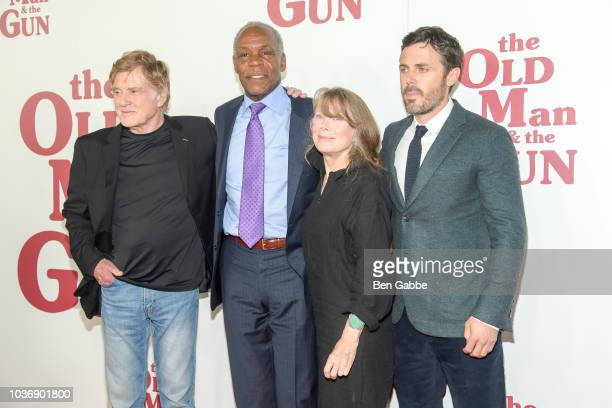 Cast members Robert Redford Danny Glover Sissy Spacek and Casey Affleck attend The Old Man The Gun New York Premiere at Paris Theatre on September 20...