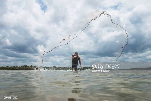 cast net 5 - lianne loach stock pictures, royalty-free photos & images