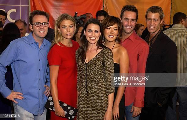Cast of Coupling Christopher Moynhan Sonya Walger Rena Sofer Lindsay Price Jay Harrington and Colin Ferguson