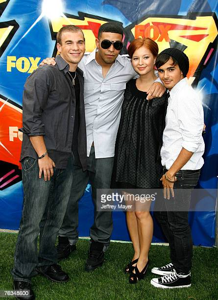 Cast of DeGrassi actor Shane Kippel actor Aubrey Graham actress Stacey Farber and actor Adamo Ruggiero arrive to the 2007 Teen Choice Awards at the...