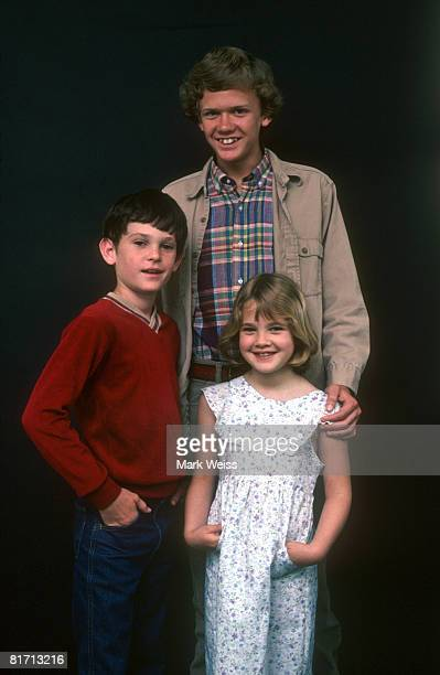 Cast of ET in May 1982 Henry Thomas Robert MacNaughton and Drew Barrymore