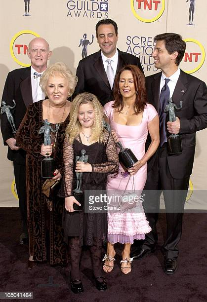 Cast of 'Everybody Loves Raymond' winners of Outstanding Ensemble in a Comedy Series