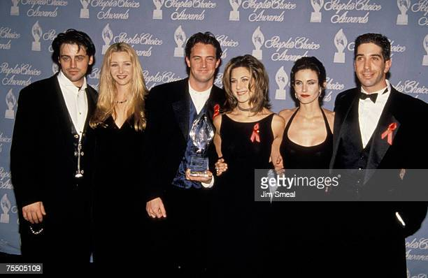 Cast of Friends Matt LeBlanc Lisa Kudrow Matthew Perry Jennifer Aniston Courteney Cox and David Schwimmer at the Universal Studios in Universal City...