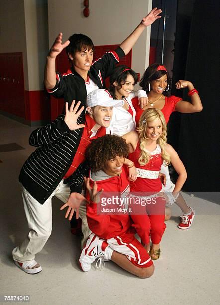 "Cast of ""High School Musical 2"" : Zac Efron, Vanessa Anne Hudgens, Monique Coleman, Ashley Tisdale, Corbin Bleu and Lucas Grabeel"