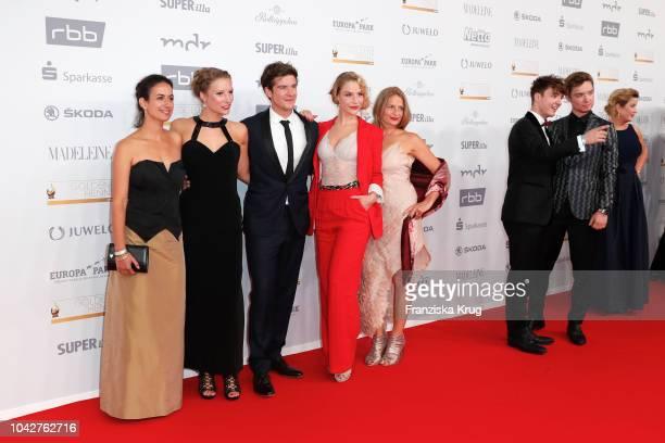 Cast of 'In aller Freundschaft Die jungen Aerzte' Sanam Afrashteh Viktoria Schuessler Philipp Danne Mirka Pigulla Gunda Ebert and Roman Lochmann and...