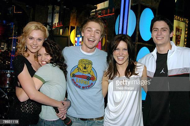 Cast of 'One Tree Hill' Hilarie Burton Bethany Joy Lenz Chad Michael Murray Sophia Bush and