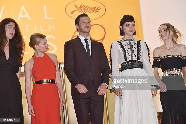 Cast of the movie 'La danseuse' Stephanie Di Giusto Melanie Thierry Gaspard Ulliel Soko LilyRose Depp attend the 'I Daniel Blake' premiere during the...