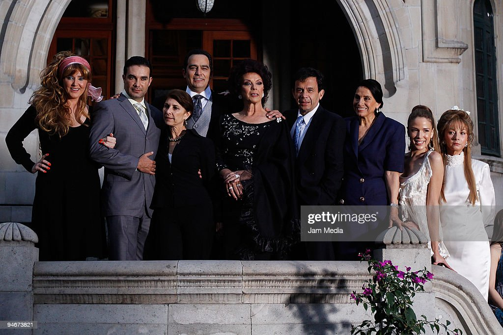 Cast of the new mexican soap opera 'La Loba' of TV Azteca during