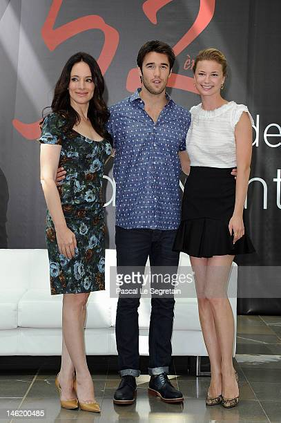 Cast of the TV Series 'Revenge' Madeleine Stowe, Joshua Bowman and Emily Vancamp attend a photocall during the 52nd Monte Carlo TV Festival on June...