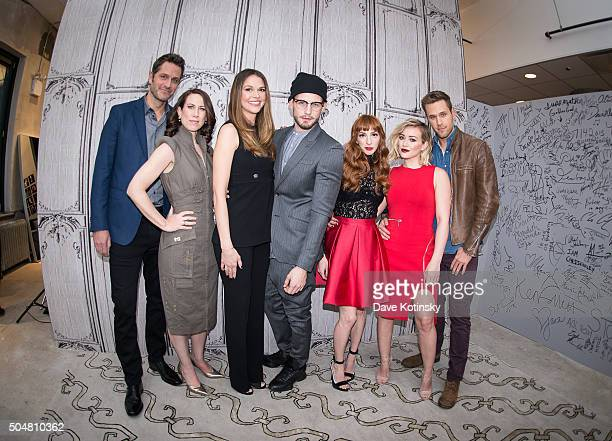 speaker series the cast of younger ストックフォトと画像 getty images