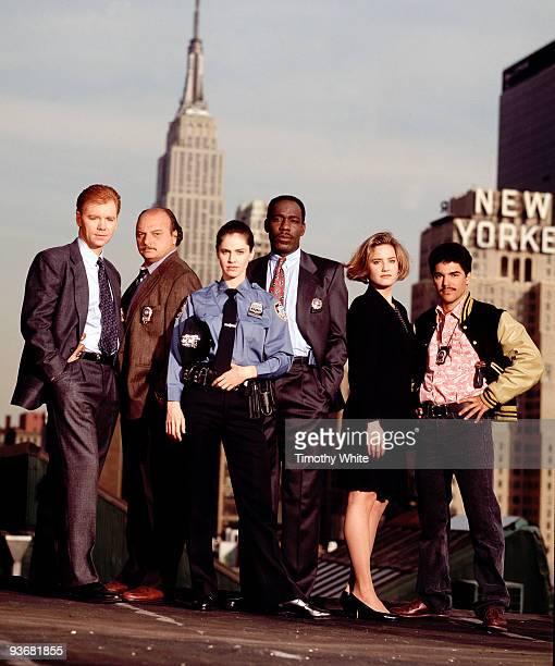 BLUE 1993 cast Season One 5/4/94 Pictured left to right David Caruso Dennis Franz Amy Brenneman James McDaniel Sherry Stringfield Nicholas Turturro