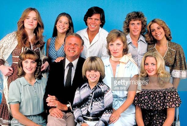 ENOUGH Cast Season Three 9/1/78 The Bradford family pictured back row left Susan Richardson Connie Needham Grant Goodeve Willie Aames Lani O'Grady...