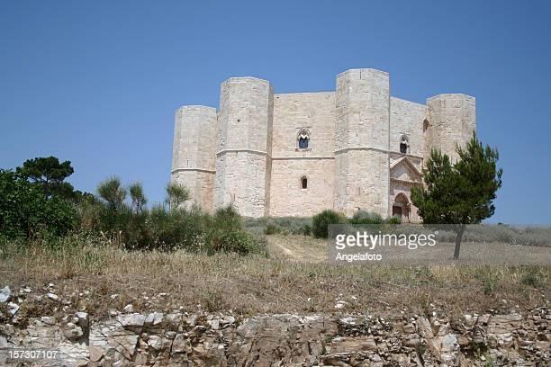 castel del monte puglia, italia - castel del monte foto e immagini stock