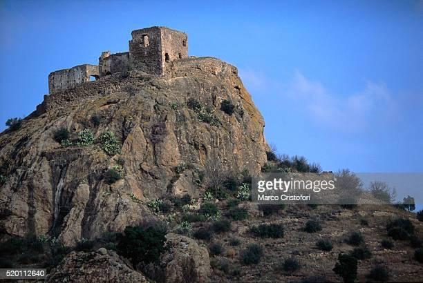 castell de quermanco, vilajuiga, catalonia, spain - marco cristofori fotografías e imágenes de stock