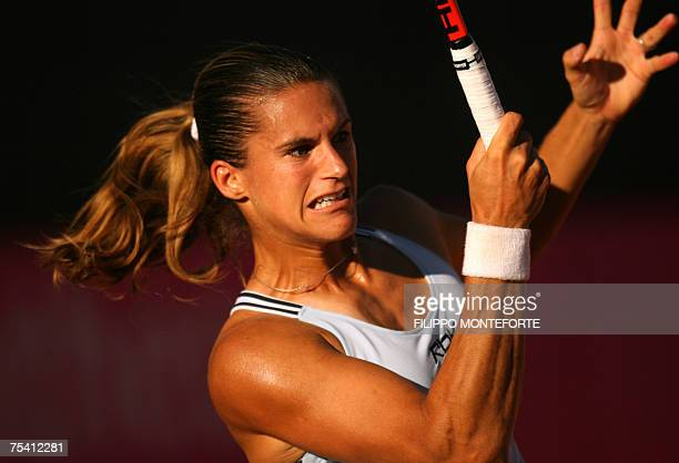 Castellaneta Marina, ITALY: French Amelie Mauresmo returns the ball to Italian Francesca Schiavone during the Fed Cup semi-final between Italy and...