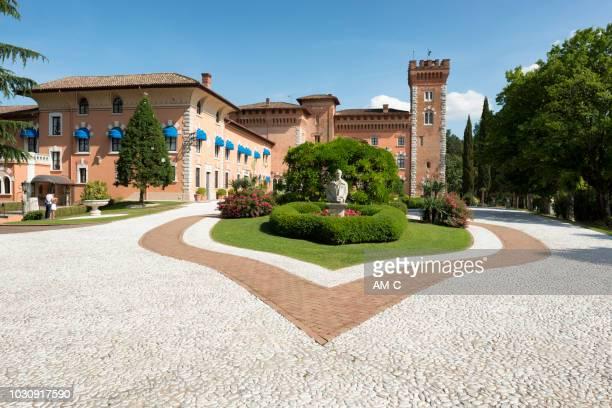 カステッロ ・ ディ ・ spessa、capriva ・ デル ・ フリウーリ、コッリオ、friaul julisch venetien、イタリア、 - エウロパ ストックフォトと画像