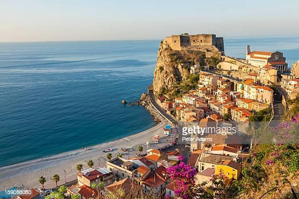 castello ruffo, scilla, calabria, italy - calabria stock pictures, royalty-free photos & images