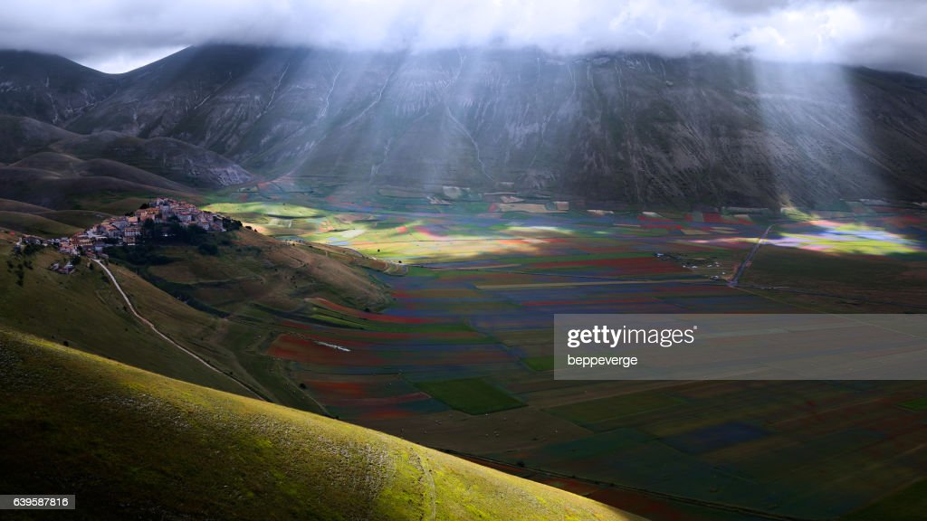 Castelluccio di Norcia : Stock Photo