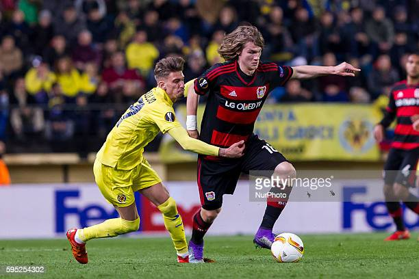 S Castillejo del Villarreal CF and 18 Wendell of Bayer 04 Leverkusen during UEFA Europa League Round of 16 first legs match between Villarreal CF and...