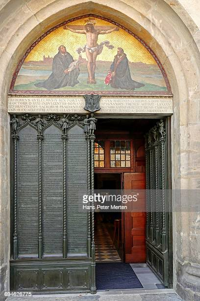 castle church entrance, lutherstadt wittenberg - lutherstadt wittenberg stock pictures, royalty-free photos & images