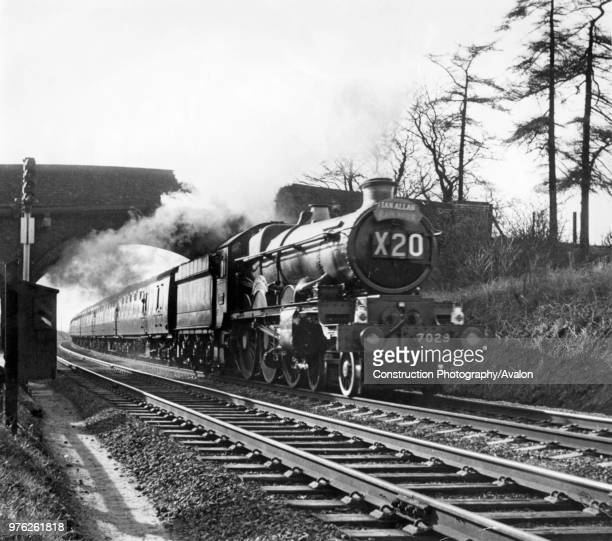 Castle Class No 7029 'Clun Castle' approaches Milepost 92 _ on the Midland Main Line with an Ian Allen special in 1963