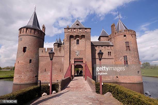 castle muiderslot - kasteel stockfoto's en -beelden