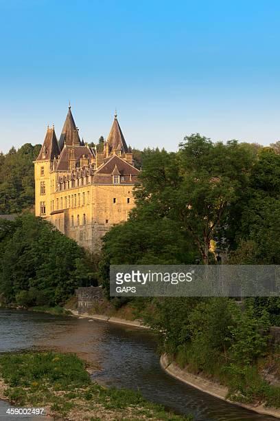 城のデュルビュイ川沿いの ourthe - リュクサンブール州 ストックフォトと画像