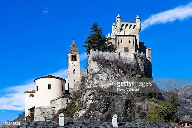 castello di saint-pierre, aosta valley - valle d'aosta foto e immagini stock