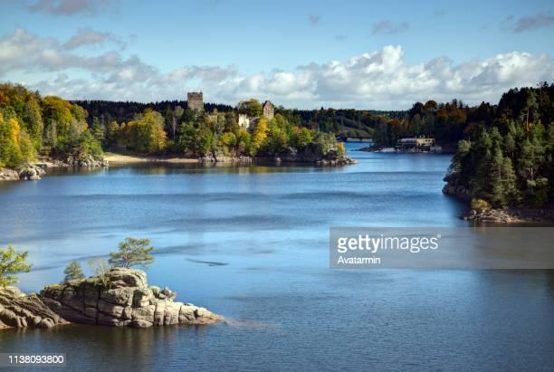 castle ruin lichtenfels and ottenstein reservoir - stausee stock-fotos und bilder