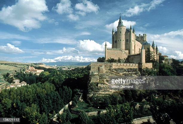 castle, spain - segovia stock pictures, royalty-free photos & images