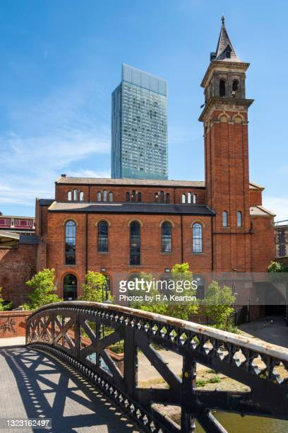 castlefield congregational church and beetham tower, manchester - tower stock pictures, royalty-free photos & images