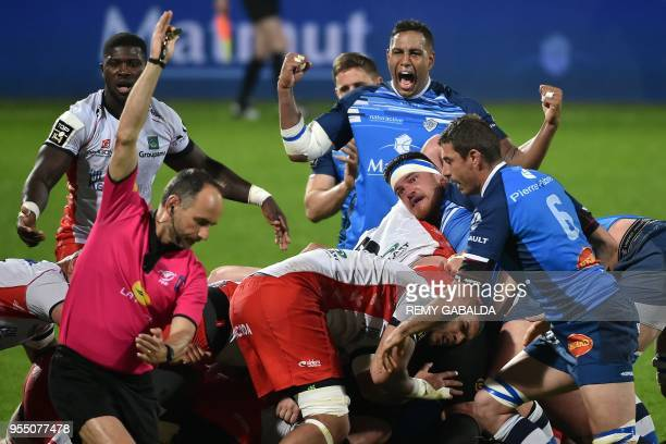 Castres's captain Mathieu Babillot celebrates during the French Top 14 Rugby Union match between Castres and Oyonnax at the Pierre Fabre Stadium in...