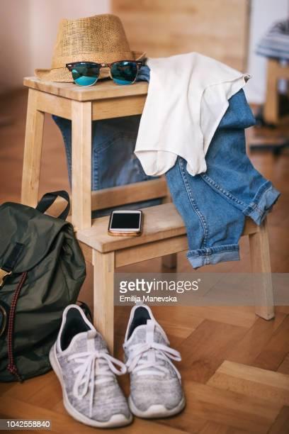 casual clothes. jeans. t-shirt, sunglasses, shoes and hat - formal imagens e fotografias de stock