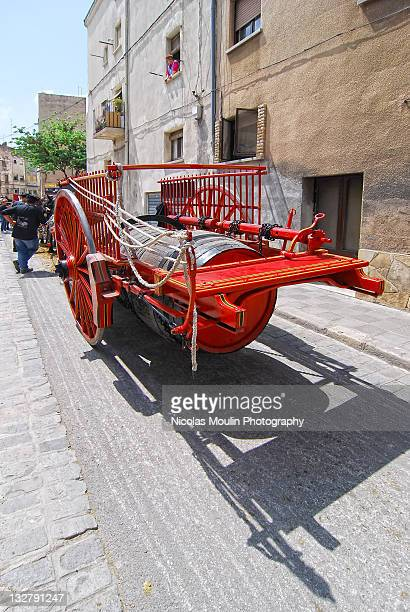 catalan federation dels tres tombs - três pessoas stock pictures, royalty-free photos & images