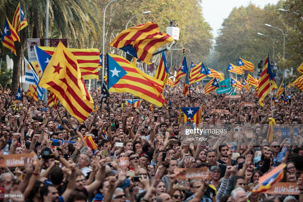 Pivotal Day For Catalan Independence As Crisis Comes To A Head : News Photo