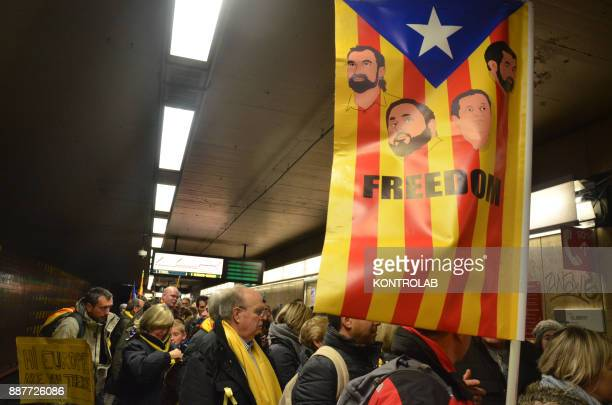 Catalan protesters are heading to the parade in Brussels to protest against Europe by inviting Europe to 'wake up' on the Catalan question Carles...