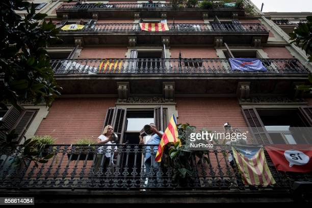 Catalans making noise with pans on their balcony More than five million elegible Catalan voters are estimated to visit 2315 polling stations today...