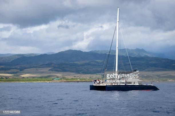 catamaran of the coast of kauai - brycia james stock pictures, royalty-free photos & images