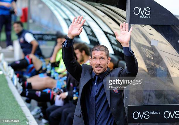 Catania Calcio head coach Diego Simeone waves during the Serie A match between FC Internazionale Milano and Catania Calcio at Stadio Giuseppe Meazza...