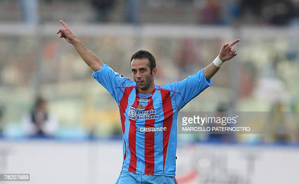 Catania's midfielder Giuseppe Mascara celebrates after he scores a goal during their Serie A football match at Massimino Stadium 02 December 2007....