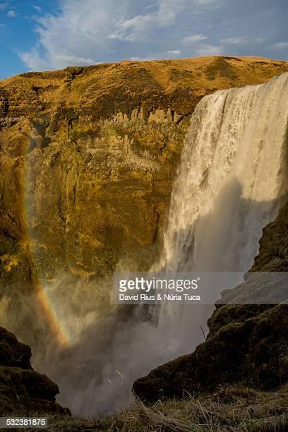 cataratas en islandia - fimmvorduhals volcano stockfoto's en -beelden