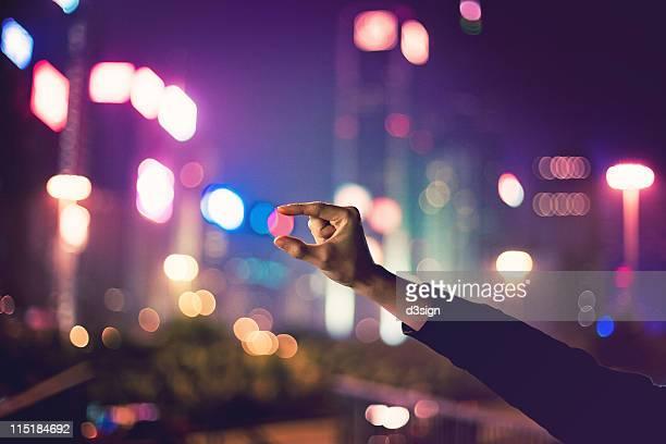 catch   city night light - iluminado - fotografias e filmes do acervo