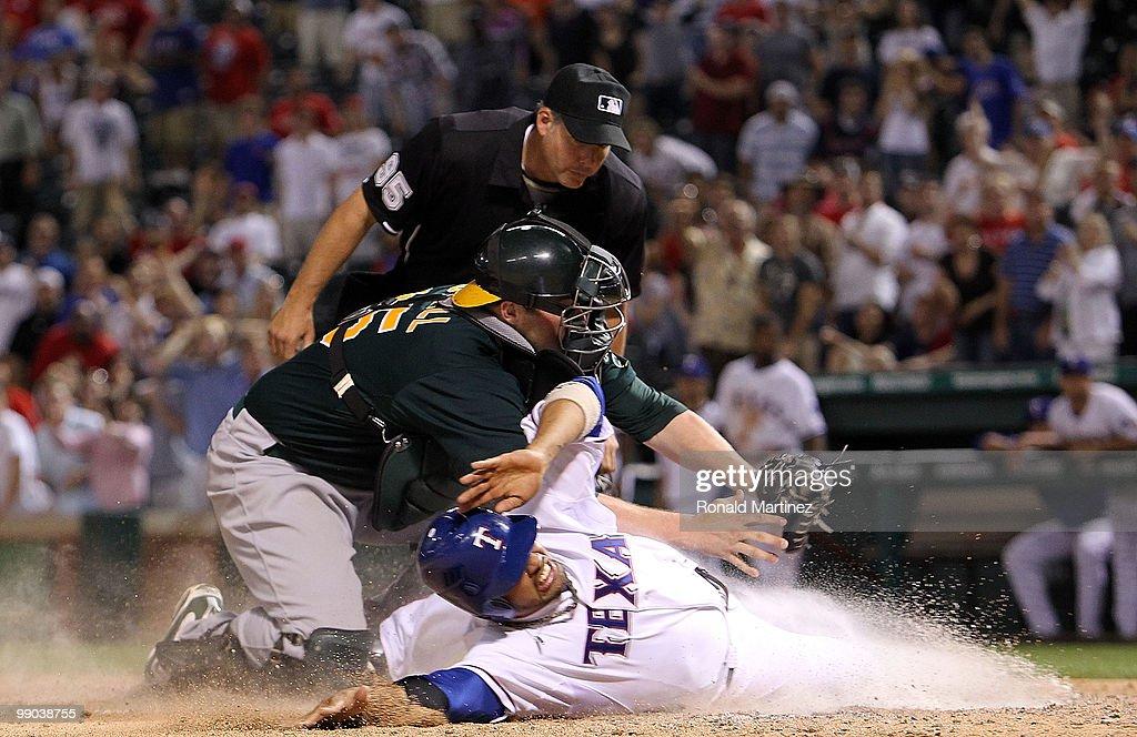 Oakland Athletics v Texas Rangers : ニュース写真