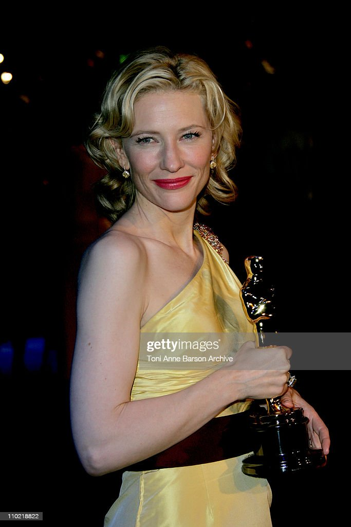 Cate Blanchett during 2005 Vanity Fair Oscar Party - Arrivals at Mortons in Los Angeles, California, United States.