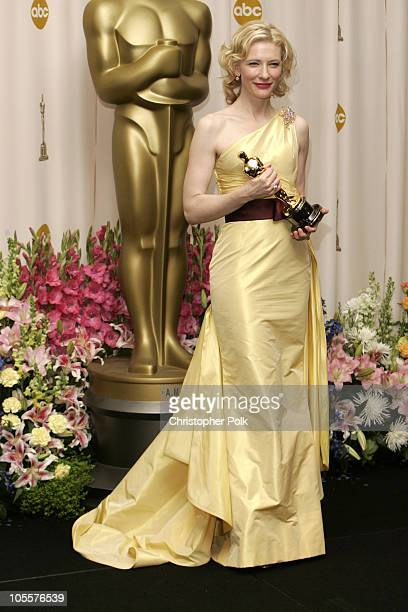Cate Blanchett winner Best Actress in a Supporting Role for The Aviator