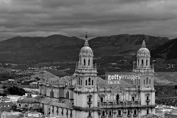 catedral en blanco y negro - blanco y negro photos et images de collection