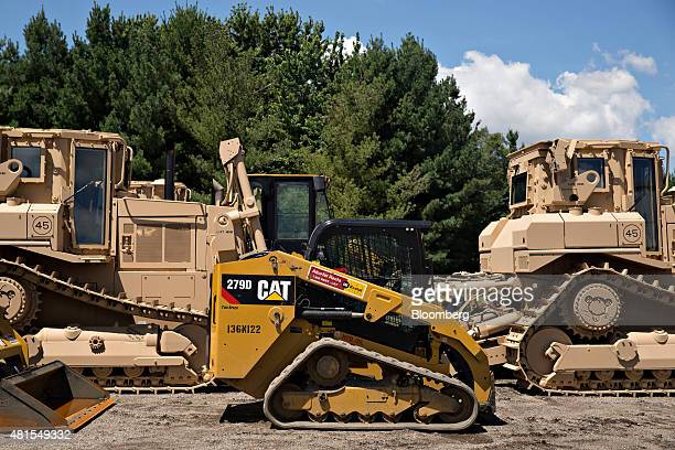55 Caterpillar Inc Equipment Dealer Ahead Of Earnings