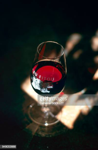 the AOC Fitou only produces red wines Pays cathare l'AOC Fitou ne peut produire que des vins rouges