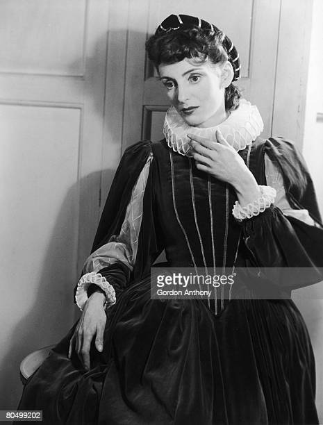 Catharine Lacey as Helena in a production of 'All's Well That Ends Well' at the Vaudeville Theatre London 1940