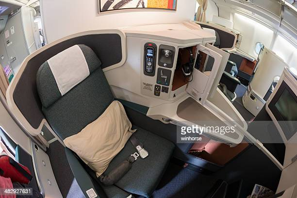 cathay pacific business class - airbus stock-fotos und bilder